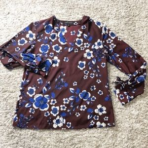 Banana republic blouse with bow tie sleeves